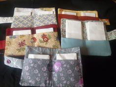 étuis pour mouchoirs tuto couture gratuit Dyi Couture, Felt Bookmark, Sewing Accessories, Free Sewing, Diy Clothes, Diaper Bag, Pouch, Fabric, Bags