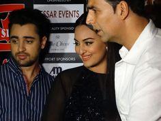 The cast of Hindi movie 'Once Upon a Time in Mumbai Dobaara' came to Dubai. Stars Imran Khan Sonakshi Sinha and Akshay Kumar Imran Khan Actor, Time In Mumbai, Akshay Kumar, Sonakshi Sinha, Hindi Movies, Once Upon A Time, Dubai, It Cast, Actors