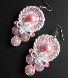 jagoda375Kolczyki ślub biało różowe sutasz