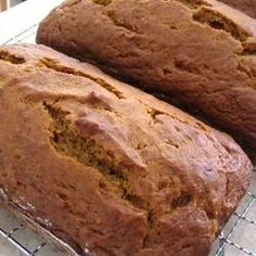 Easy pumpkin bread. Modify: 1/2 c oil, 1/2 c apple sauce(try less oil, more AS), 1-3/4c sugar, 3-1/2c flour, 4 eggs, 2/3 c water, 1 can pumpkin purée, 2 t baking soda, 1-1/2 t salt, generous t cinnamon, splash vanilla, 1/2 t all spice bc I was out of cloves (use cloves if avail) , 1/2 t ginger    Oven 350  Muffins 40-50 min, bread 70 | http://freshfruitrecipetips.blogspot.com
