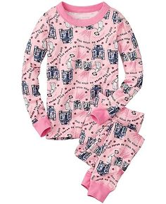 May the Force be with you this Valentine's...we love our latest collaboration with Star Wars™! Loved by kids all over the world, our legendary organic knit and smooth seaming surround them in extra-comfy first layer softness. And Hanna-me-down quality means that 50 washes from now they'll come from the dryer bright and happy as ever.
