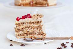 Tort cu vanilie, cafea şi nucă | Rețete fără secrete | adihadean.ro Krispie Treats, Rice Krispies, Tiramisu, Espresso, Ethnic Recipes, Sweet, Desserts, Deserts, Dessert