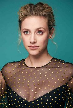 Actor Lili Reinhart from the film 'Hustlers' poses for a portrait during the 2019 Toronto International Film Festival at Intercontinental Hotel on September 2019 in Toronto, Canada. Betty Cooper, Lili Reinhart, Ella Henderson, Felicity Jones, Kirsten Dunst, Age, Lily Collins, International Film Festival, Gal Gadot
