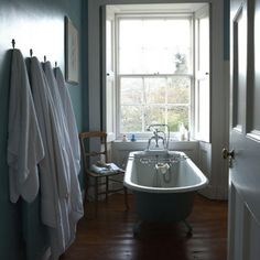 Weinlese-blaues Badezimmer Wohnideen Badezimmer Living Ideas Bathroom
