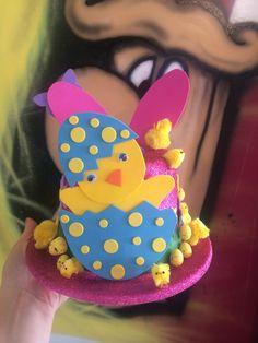 Easter Hat• Girls Easter Bonnet Ideas • DIY Easter Craft Easter Crafts, Crafts For Kids, Diy Crafts, Easter Hat Parade, Easter Hunt, Hat Day, Girl With Hat, School Projects, Kids Boys