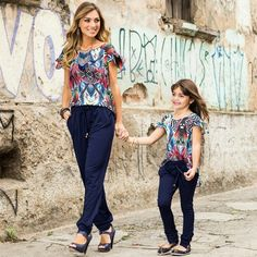 Mommy Daughter Dresses, Mother Daughter Matching Outfits, Mother Daughter Fashion, Mom Dress, Mom Daughter, Mommy And Me Shirt, Mommy And Me Outfits, Couple Outfits, Family Outfits