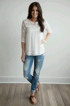 Cute lace white top!