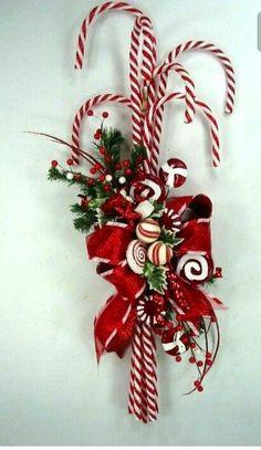 Dollar Store Christmas Crafts To Make Christmas Carol Songs Printable! Christmas Swags, Xmas Wreaths, Christmas Holidays, Christmas Ornaments, Burlap Christmas, Ornaments Ideas, Winter Wreaths, Primitive Christmas, Christmas Music