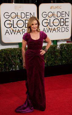 Jessica Lange walks red carpet at 2014 Golden Globes