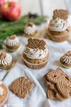 Speculoos cupcakes con relleno de manzana y canela - Weihnachtsbäckerei - Rezepte zum selber backen - Pastel de Tortilla Cupcake Recipes, Cookie Recipes, Dessert Recipes, Apple Recipes, Frosting Recipes, Pumpkin Spice Cupcakes, Cinnamon Cupcakes, Mocha Cupcakes, Cinnamon Muffins