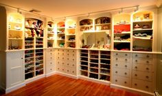 Closet and Wardrobe Designs. Fancy Dream Home Interior Walk-in Closet Designs. Lovely smart saving-space ideas white walk-in closet for girls with nice wall-mounted storage system for shoes, clothes, hats, and accessories Master Closet, Closet Bedroom, Closet Space, Master Bedroom, Huge Closet, Wardrobe Room, Closet Mirror, Attic Closet, Master Suite