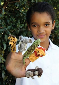 Ravelry: Zoo Finger Puppets pattern by Maggie Vassie