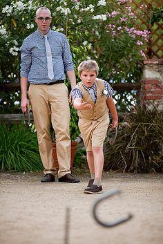 Wedding games: Horseshoes!