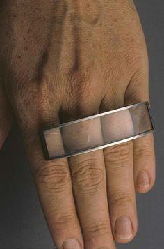 Sondra Sherman Skin:4 fingers