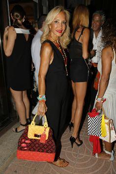 Sexy Older Women, Old Women, Fashion 2016, Fashion Outfits, Dump Cakes, Golden Girls, Straw Bag, Fashion Looks, Chic