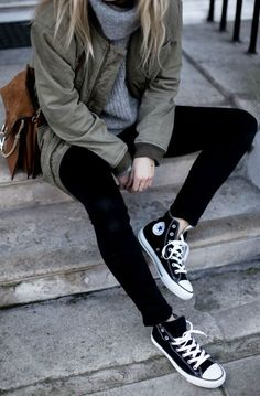 """Converse + loose laces + casual feel + Lucy Williams Jacket: Anine Bing, Jumper: & Other Stories, Jeans: Acne."" I love casual stylish outfits like this, especially with a shoe like converse. Converse Haute, Mode Converse, Sneakers Mode, Outfits With Converse, Converse High Tops How To Wear, Converse Fashion, Converse Style, Black Converse Outfits, Converse Design"