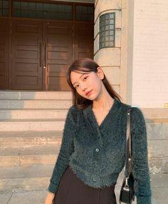 Skirt Fashion, Fashion Outfits, Korean Photo, Cute Instagram Pictures, Girl Korea, Ulzzang Korean Girl, Uzzlang Girl, All About Fashion, Asian Style