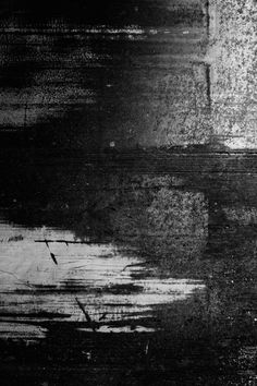 textured areas to create camo like effect. abstract directional lines. like the texture. (would be nice as a tonal print too without the highs ) Photoshop Elementos, Art Grunge, Tachisme, Overlays Picsart, Black And White Painting, Glitch Art, Art Abstrait, Black Wallpaper, Pics Art
