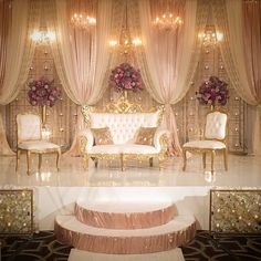 Love the way this elegant style reception turned out! Wedding Backdrop Design, Wedding Stage Design, Wedding Hall Decorations, Wedding Reception Backdrop, Wedding Mandap, Backdrop Decorations, Backdrops, Indian Reception, Indian Wedding Receptions