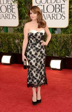 Tina Fey Golden Globes 2013 - don't love the dress, but I LOVE the Jessica Rabbit hair and glam makeup.