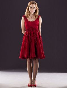 hermione granger in red dress from the wedding in harry potter 7 - hermione-granger Photo