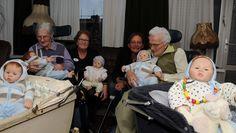ouderen met dementie leren door middel van poppen zich openstellen