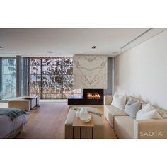 Tag your friends who would like to lingering in there! #interior #interiordesign #desaininterior #livingroom #livingroomdesign #desainruangkeluarga #ruangkeluarga