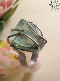 Fluorite( ottaedrica) ring, silver, alpacca by Padma Jewels