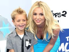Britney Spears with son, Jayden James on the blue carpet at the Smurfs 2 premiere!
