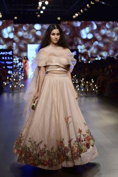 9d47afbee071 Kangana Ranaunt walks for Shyamal And Bhumika at Lakme Fashion Week  Spring/Summer 2018 In Mumbai