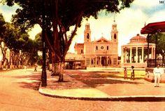 Belém antiga - Praça da Basílica - Coretos <3