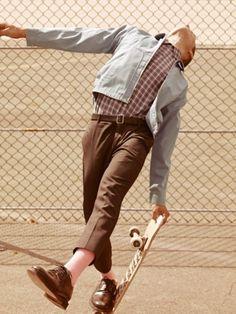 Chic men skate