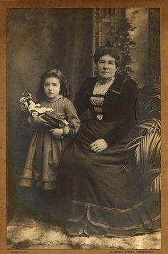 my mum's mum and her mum - family photo from Russell Shaw Higgs (flikr.com)