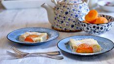 Využijte sezonu meruněk apusťte se do pečení. Máme pro vás tip na rychlý avláčný koláč zkefírového těsta, který zmizí ze stolu během chvilky. Zvládne ho každý ahotovo je za pár minut. Kefir, Cantaloupe, Pudding, Baking, Fruit, Desserts, Food, Treats, Sweet
