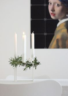 What is your advent tradition? In Scandinavia we have a lovely tradition of lighting one candle each of the four Sundays of advent. This Kubus candle holder from by Lassen is just as nice to use all year long, but fits perfectly for advent time too! Christmas Mood, Noel Christmas, Scandinavian Christmas, Modern Christmas, Xmas Holidays, Indoor Wreath, Yule, Advent Candles, Deco Addict