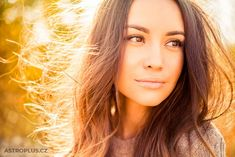 Tips: 6 Ways To Make Botox & Dermal Fillers Last Longer Hair Loss Women, Dermal Fillers, Facial Oil, Elizabeth Taylor, Brown Hair Colors, Young And Beautiful, Color Trends, Hair Trends, Madonna