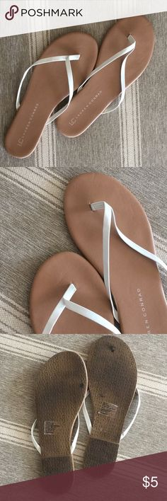 🌠FREE LC Lauren Conrad Flip Flops Tan flip flops with white straps! I'm normally an 8-8 1/2 and fit in these LC Lauren Conrad Shoes Sandals