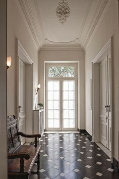 Halls and walls Design Entrée, Floor Design, House Design, Interior Architecture, Interior And Exterior, Interior Design, Entry Hallway, Entryway, Hallway Ceiling