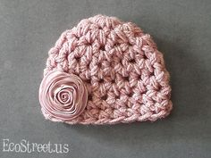 Crochet hat for baby girl. Might have to get this for newborn photos this winter!