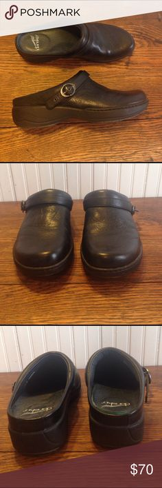 Dansko slip on black leather clogs size 40/9.5-10 Dansko slip on black leather clogs size 40/9.5-10, smooth black , great condition Dansko Shoes Mules & Clogs