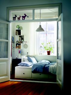 We have a few trendy IKEA bedroom designs for 2012 suggestions for this season. Without further ado, here are trendy IKEA bedroom designs for Ikea Bedroom Design, Small Bedroom Designs, Small Room Bedroom, Small Rooms, Home Decor Bedroom, Bedroom Furniture, Bedroom Ideas, Spare Room, Bed Room
