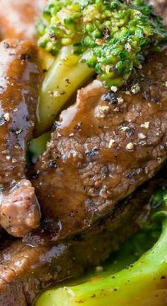 Chinese Beef with Broccoli Chinese Beef Recipes, Chinese Beef And Broccoli, Easy Beef And Broccoli, Healthy Beef Recipes, Roast Beef Recipes, Healthy Cooking, Asian Recipes, Chinese Food, Marinated Beef