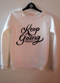 Kup mój przedmiot na #vintedpl http://www.vinted.pl/damska-odziez/bluzy/10949154-bluza-bershka-pikowana-nadruk-must-have-print-biala-czarna