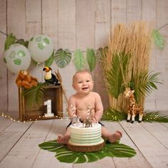 Jungle thema cakesmash als een Tarzan smashen in de jungle. Smash cake jungle where the lions sleeps tonight Baby Boy 1st Birthday Party, 1st Birthday Photoshoot, Jungle Theme Birthday, Birthday Cake Smash, Baby Cake Smash, Theme Bapteme, Jungle Theme Cakes, Baby Boy Cakes, Foto Baby