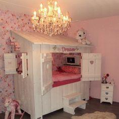 Bedstee in wit en roze Nook in white and pink Baby Bedroom, Girls Bedroom, Little Girl Bedrooms, Kids Decor, Home Decor, Girl Room, Bed Frame, Bedroom Furniture, Chloe