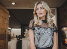 ✨ ✨. #blusa #blouse #renda  Ref. Blusa Rebecca.  Cores: preto, off