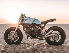 """1,563 mentions J'aime, 4 commentaires - BikeBound (@bikeboundblog) sur Instagram : """"Ducati 750SS by @workersmotorcycles, found via @themodernmotorcyclist. : @tristanfopma :: #ducati…"""""""