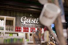 SPORTHAUS SCHUSTER / Gustl Shopkonzept und Produktlinie / #Corporate #Design #Outdoor #Konzept / by Zeichen & Wunder, München