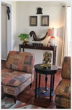 the east coast desi: My Living Room a reflection of INDIA - Diwali Inspiration - Day 3 Indian Home Design, Indian Home Interior, Indian Living Rooms, Cozy Living Rooms, My Living Room, Indian Room Decor, Ethnic Home Decor, Sitting Room Decor, Mid Century Modern Living Room