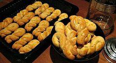 ΜΑΓΕΙΡΙΚΗ ΚΑΙ ΣΥΝΤΑΓΕΣ 2: Κουλουράκια βουτύρου βανίλιας -πορτοκάλι !!! Greek Sweets, Greek Desserts, Greek Recipes, Biscuit Cookies, Yummy Cookies, Greek Cookies, Biscuits, Party Cakes, No Bake Cake